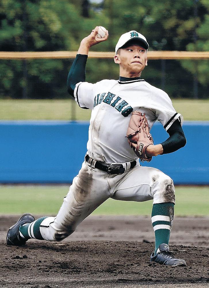 完全試合を達成した金沢西の柳橋=金沢市民野球場