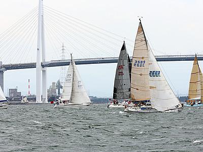 新湊でヨット「タモリカップ」 Seraが総合優勝