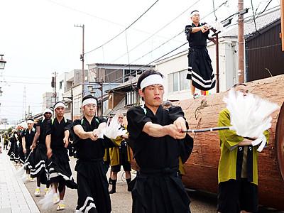 木遣り踊り勇ましく 井波で太子伝観光祭開幕