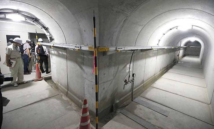 浅川ダム内の点検用通路「監査廊」。ダム祭りで公開する