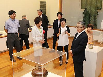 近代の逸品工芸を紹介 高岡で国立近代美術館所蔵品展