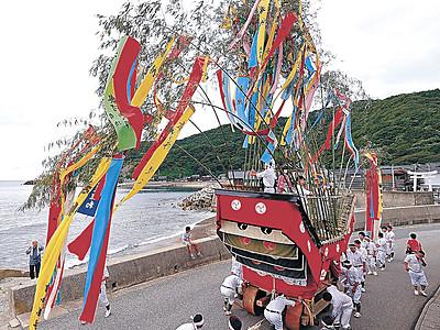 輪島で山王祭り 舟形曳山で豊漁祈願