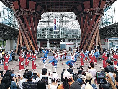 県都の夏、迫力乱舞 金沢ゆめ街道、YOSAKOI百万石会場の最終審査