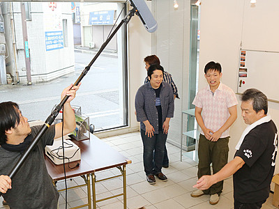 商店主が熱演 富山・千石町通り商店街で映画撮影