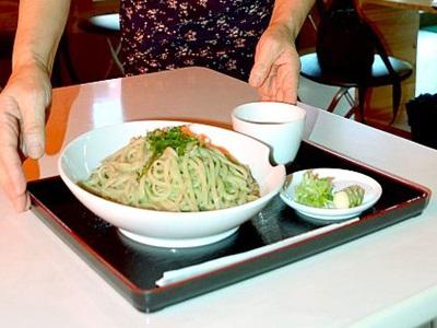 ワサビ入り麺3種類いかが 柏崎