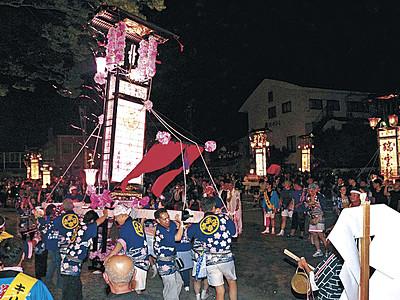 輪島大祭でキリコ21基集結