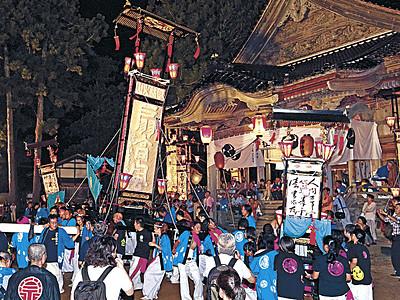 キリコ乱舞、男衆熱気 志賀・富来地域で「冨木八朔祭礼」