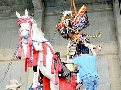 山車飾り付け準備着々 敦賀まつり、4日の最終日に巡行