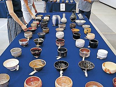 創意凝らした新作茶道具搬入 金沢城・兼六園大茶会
