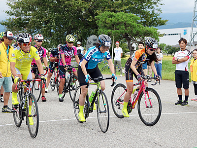 自転車で黒部駆ける 県内外110人参加