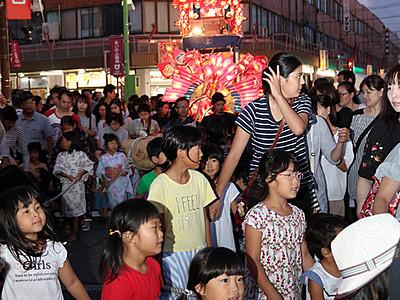 砺波の伝統文化集結 となみ伝承やぐら大祭