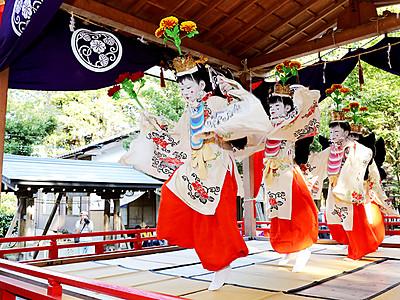 稚児舞 古式ゆかしく 射水・下村加茂神社
