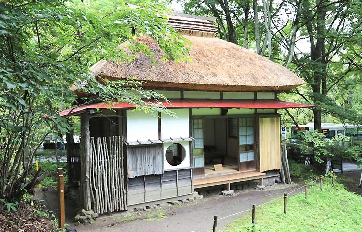 軽井沢高原文庫敷地にある野上弥生子が使っていた書斎兼茶室