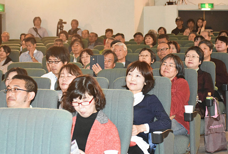 小津安二郎記念・蓼科高原映画祭が開幕。市民らも期待して上映を待った