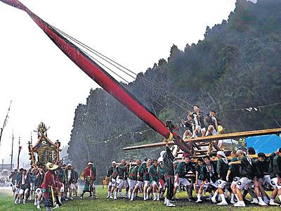 妙技、島田くずしに歓声 七尾・中島「お熊甲祭」