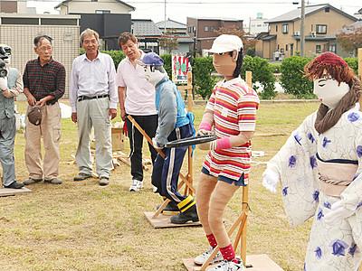 氷見から16体初参加 中田かかし祭り