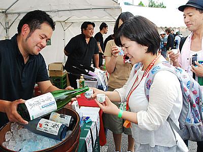 中野で日本酒やワイン飲み比べイベント