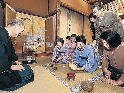 古刹の妙成寺で一服 加賀・梅鉢茶会、能登で初の開催
