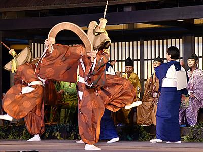 平の「こきりこ祭り」開幕 唄と踊り郷愁誘う