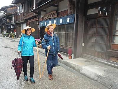 信州観光、外国人の好み探る 木祖・塩尻でモニターツアー