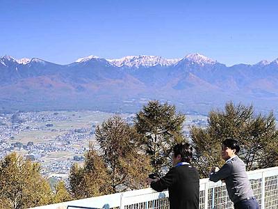 八ケ岳連峰、くっきり雪化粧 諏訪地方に冬の訪れ