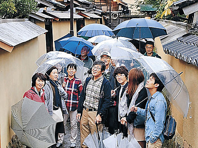 金沢マラソン後は観光 ツアーに134人、市内外の名所巡る