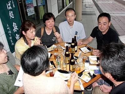 はしご酒で笑顔に 38店でバル街開催 4日・糸魚川