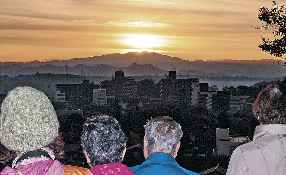 白山山頂からのぞいた光=加賀市大聖寺神明町の加賀神明宮