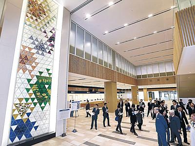 新県立中央病院を公開 来年1月9日開院