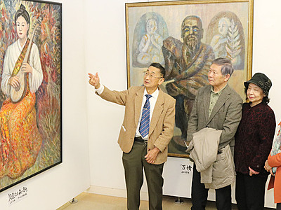 喜寿に個展「父のおかげ」 親子2代洋画家の中嶋さん