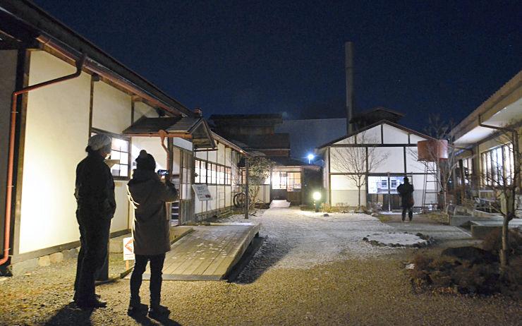 松本市歴史の里であった「ナイトミュージアム」。敷地内の歴史的な建築物が電灯の明かりで浮かび上がった