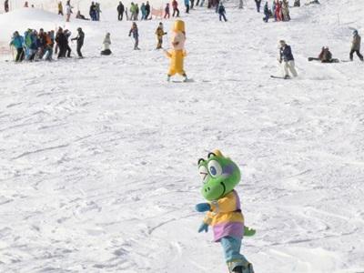 スキーシーズン本番 湯沢・苗場で催し