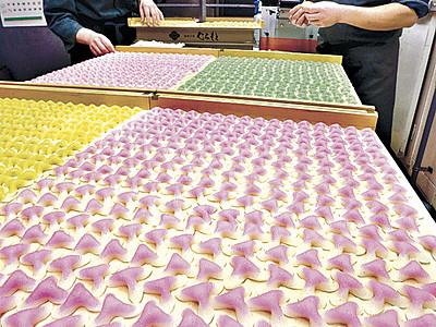 辻占3色、初春待つ 鶴来で製造最盛期