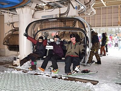 積雪十分、福井和泉スキー場 営業開始、中京客に人気