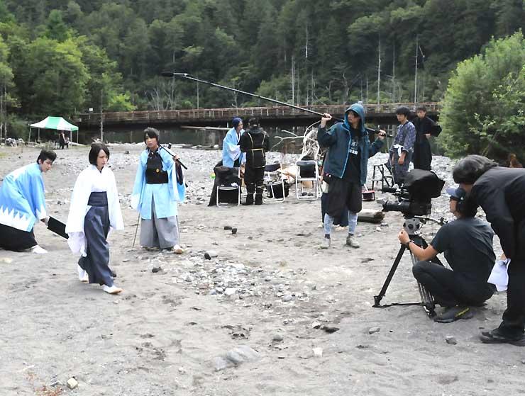 王滝村の自然湖周辺で昨年8月に行われた「維新烈風天狗判官」の撮影