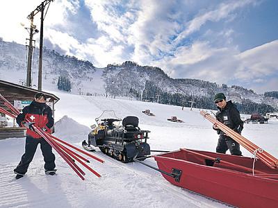 ゲレンデ、準備着々 白山、金沢のスキー場