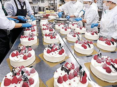 クリスマスケーキ作り大詰め 県内ホテル、洋菓子店