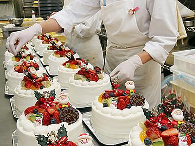 ケーキ作り大忙し 県内洋菓子店