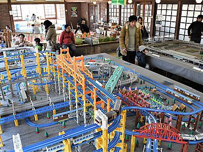 県内鉄道も再現 安曇野で模型フェア