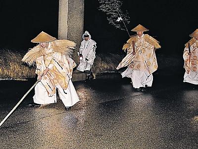 神職4人が無言で摂社など巡拝 気多大社「門出式」
