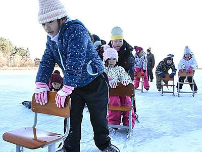氷の感触、久しぶり 伊那西スケート場、滑走可能に