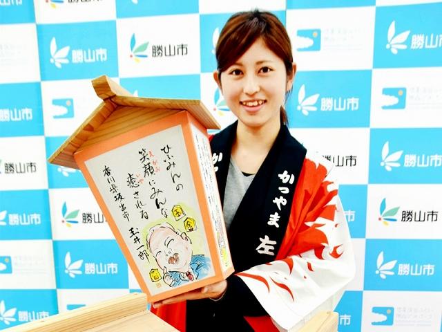 入賞した川柳に絵を添えて作った絵あんどん=福井県勝山市役所