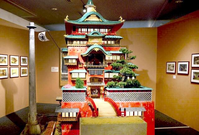 10日から福井県立美術館にお目見えする湯屋の模型 「千と千尋の神隠し」(C)2001 Studio Ghibli・NDDTM