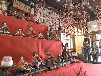 小諸の市街地で「お人形さんめぐり」始まる