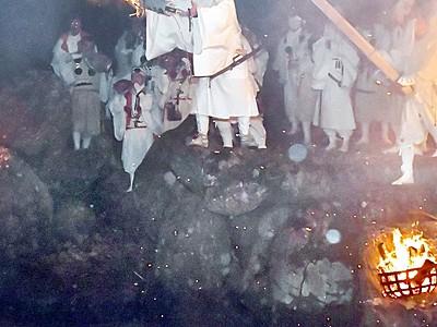 伝統「お水送り」春告げる 福井国体向け採火も