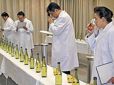 鳳珠酒造組合が新酒きき酒会