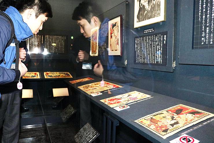 役者絵を中心に尾竹国一の作品を紹介している企画展