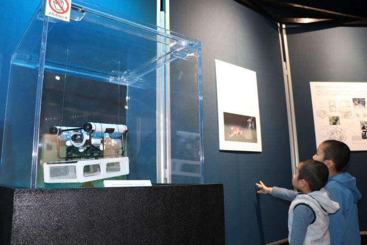 深海の様子を紹介する企画展=新潟市中央区