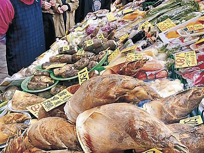 近江町市場に県外産のタケノコ