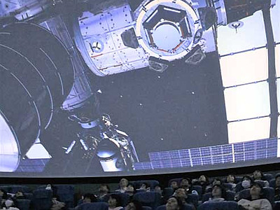 油井さん登場、宇宙の4K映像 佐久の新プラネタリウム